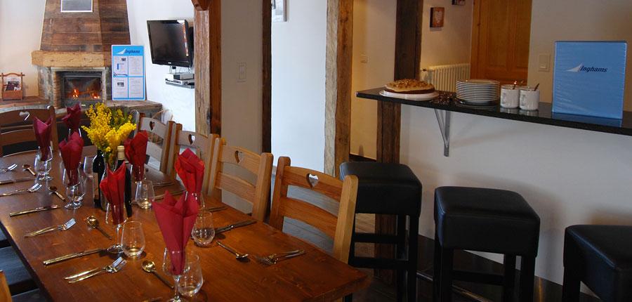 nce_avoriaz_chalet_jean-france_dining-area.jpg